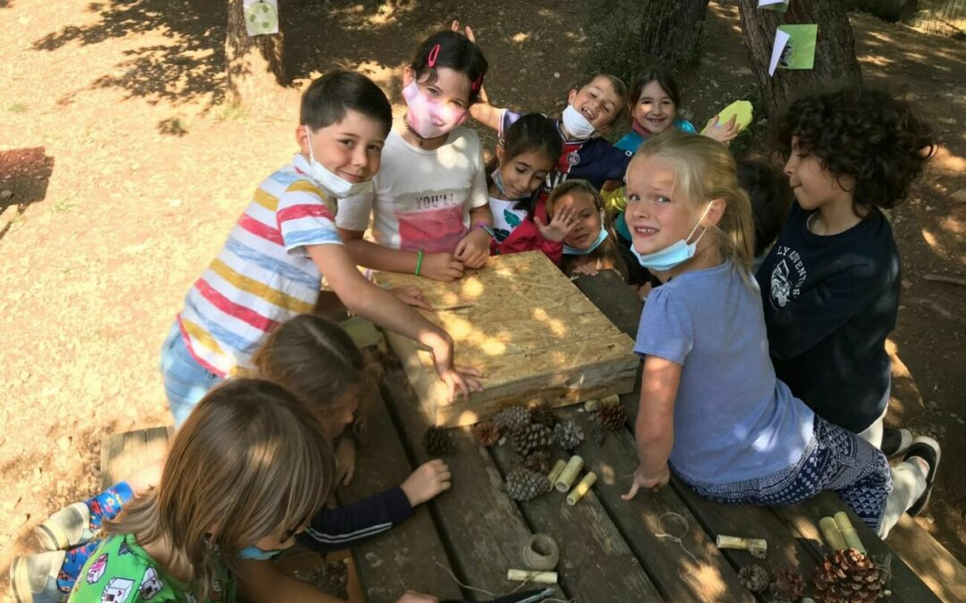 Nature workshop: making 3 insect hotels at Les Colibris!