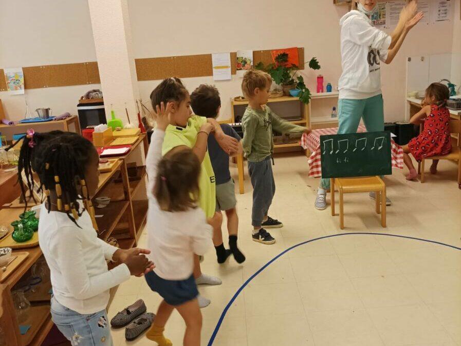 La classe verte pousse la chansonnette